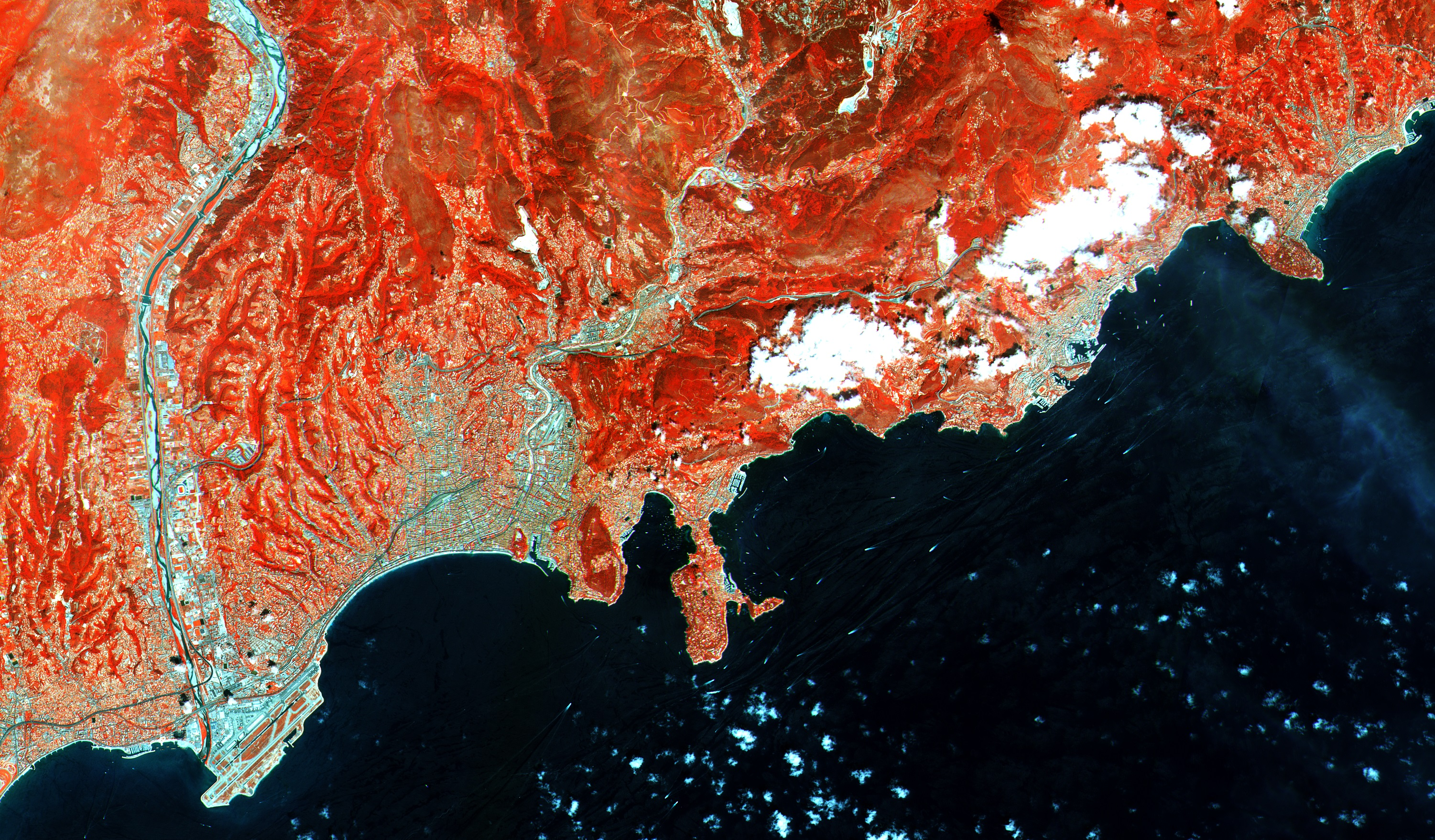 Observing the Earth in infrared